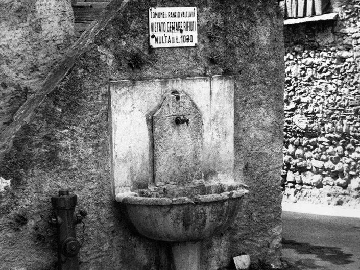 Fondo Afi - Rancio Valcuvia - Località Cantevria - Borgo storico - Foto Daniele Zuliani - 1988