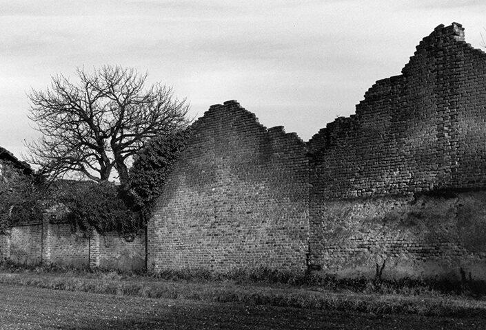 Fondo Afi - Samarate - Ruderi della vecchia filanda - Foto Claudio Argentiero - 1995