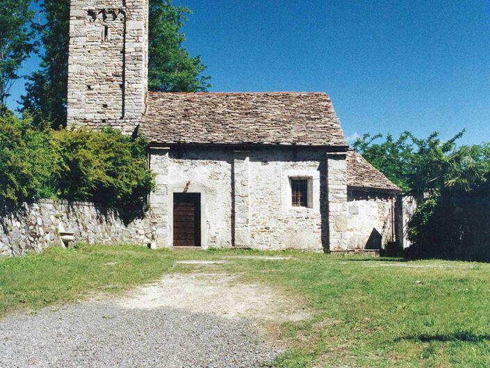 Fondo Afi- Sarigo - Chiesa romanica di San Giorgio ( Sec. XII) - Foto Franco Rinaldin - 1991