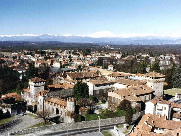 Fondo Afi - Somma Lombardo - Castello Visconteo (Sec. XI) - Veduta dall'alto - Foto Claudio Argentiero - 1990