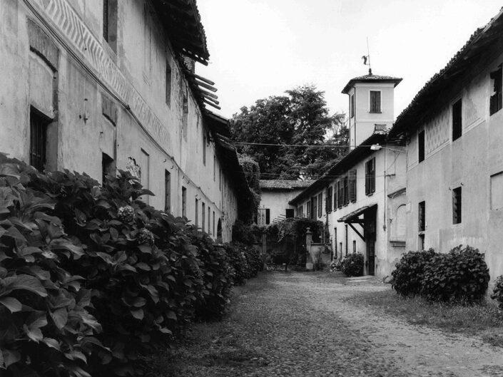 Fondo Afi - Vizzola Ticino - Complesso abitativo ex Bonifica Caproni - Foto Claudio Argentiero - 2004