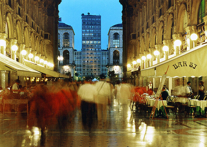 Fondo Claudio Argentiero - Milano - Galleria Vittorio Emanuele - 2006