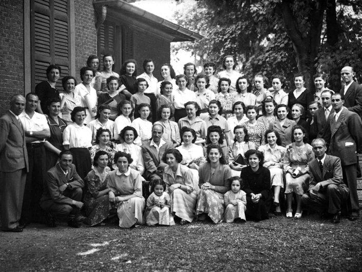 Fondo Giusy Rabolini - Album di famiglia - Foto di classe femminile