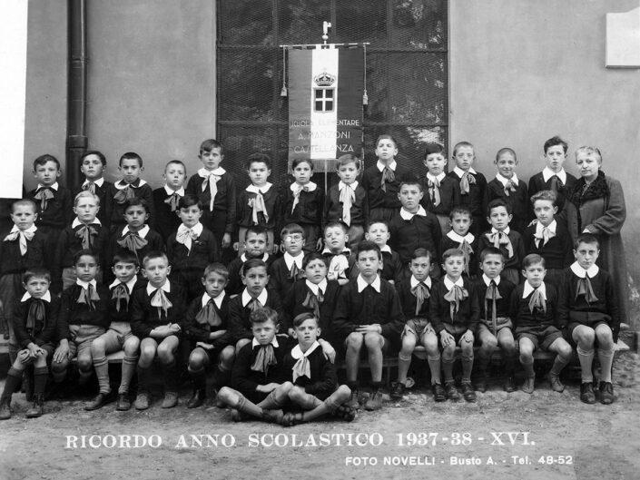 Fondo Giusy Rabolini - Album di famiglia - Foto di classe maschile elementare - Anno scolastico 1937-1938