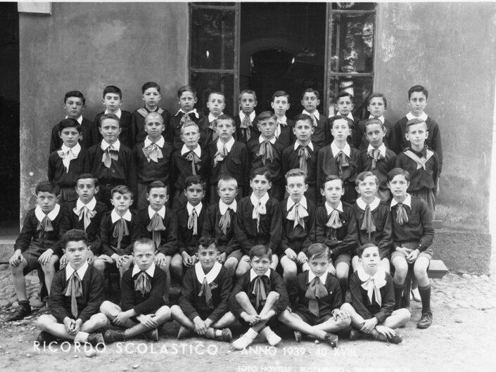 Fondo Giusy Rabolini - Album di famiglia - Foto di classe maschile elementare - Anno scolastico 1939-1940